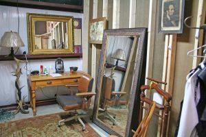 Kendra Peek/kendra.peek@amnews.com The men's dressing room offstage at the Perryville Jamboree.